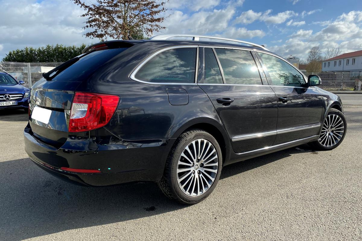 SKODA SUPERB COMBI 2.0 TDI 170 GreenTec Laurin & Klement DSG